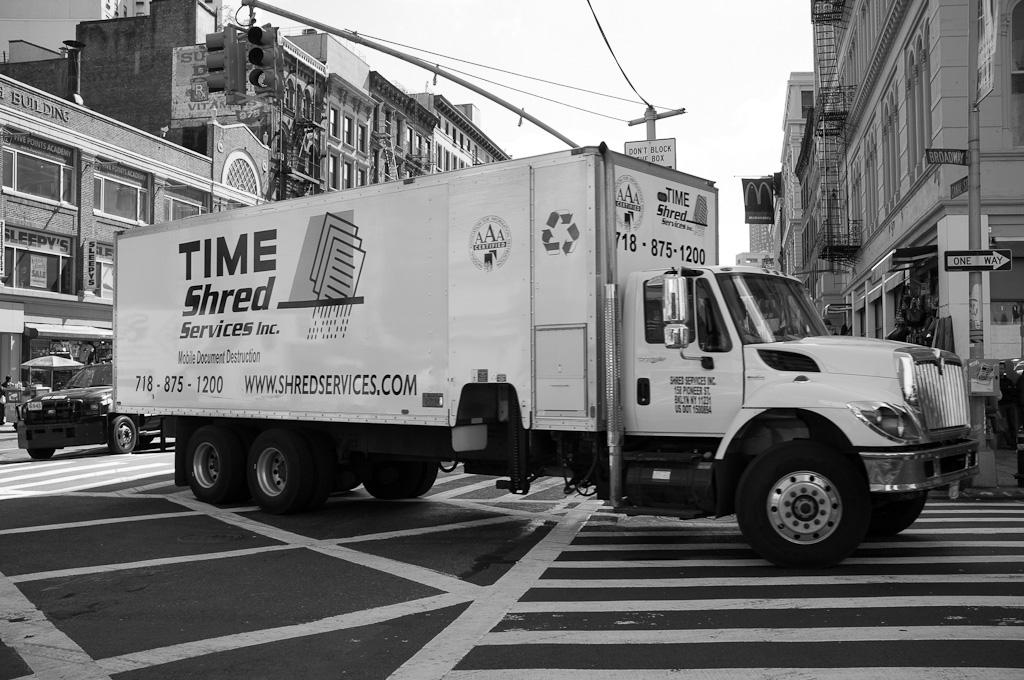 Camiones y edificios – Nueva York