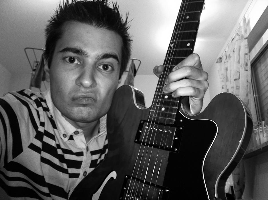 Nueva Guitarra (en la farmacia)
