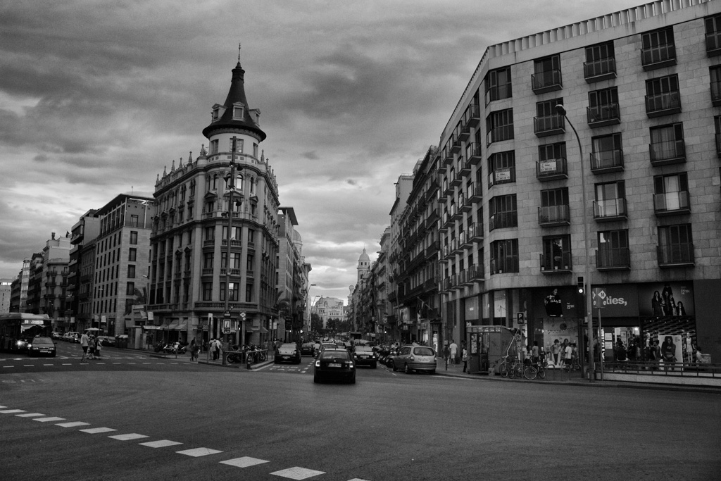 An lisis canon eos 700d quicoto blog fotograf a - Placa universitat barcelona ...