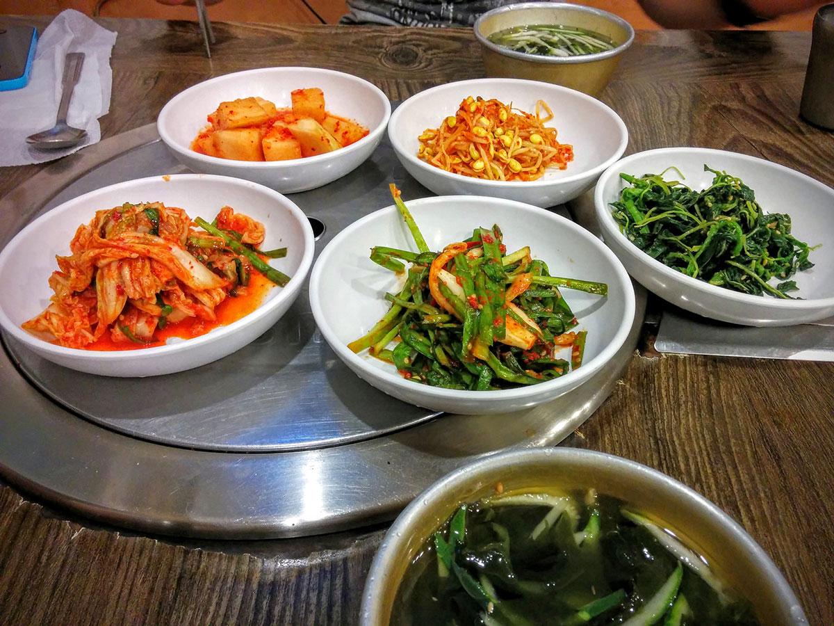 Sobreviviendo a la primera comida 100% Coreana en Seúl