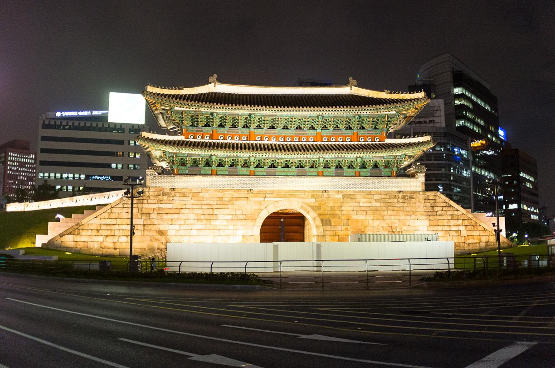 Paseo nocturno por Myeong-dong, Seúl – Corea del Sur